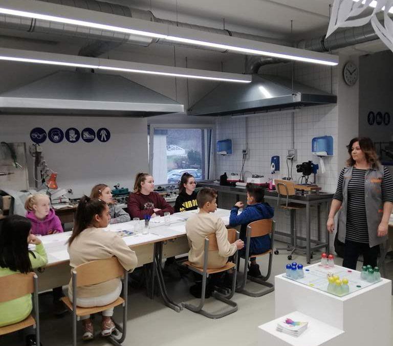 Sedmošolci obiskali Steklarno Rogaška